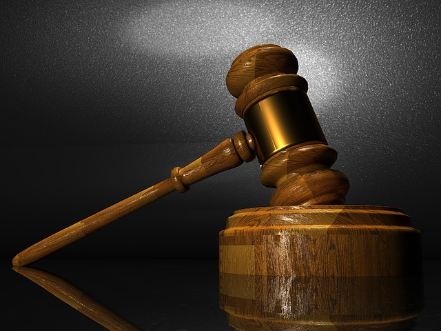 Five Reasons Why Your Business Might Need A Lawyer